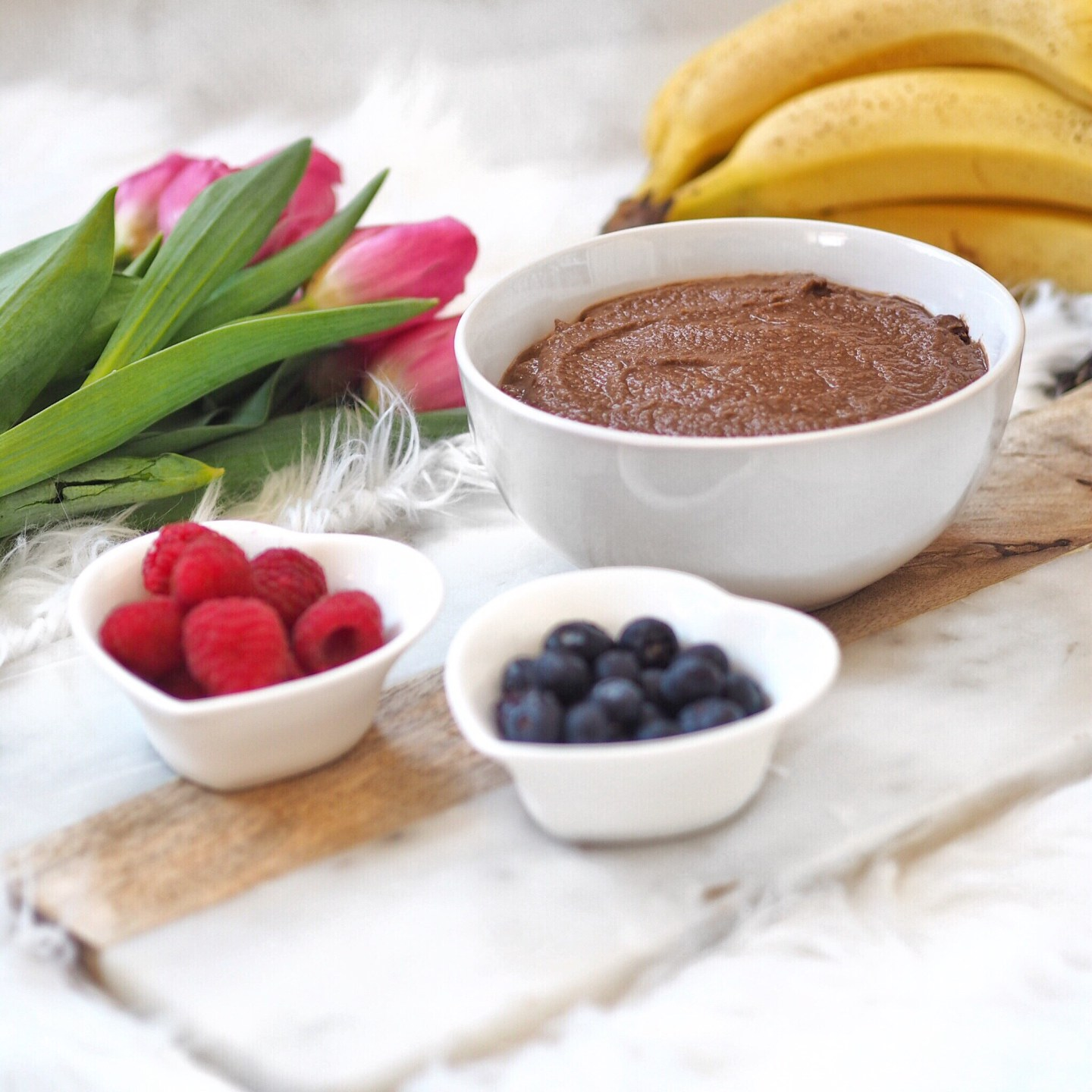 3 Minute Chocolate Hummus Recipe for a healthy Chocolate Dip