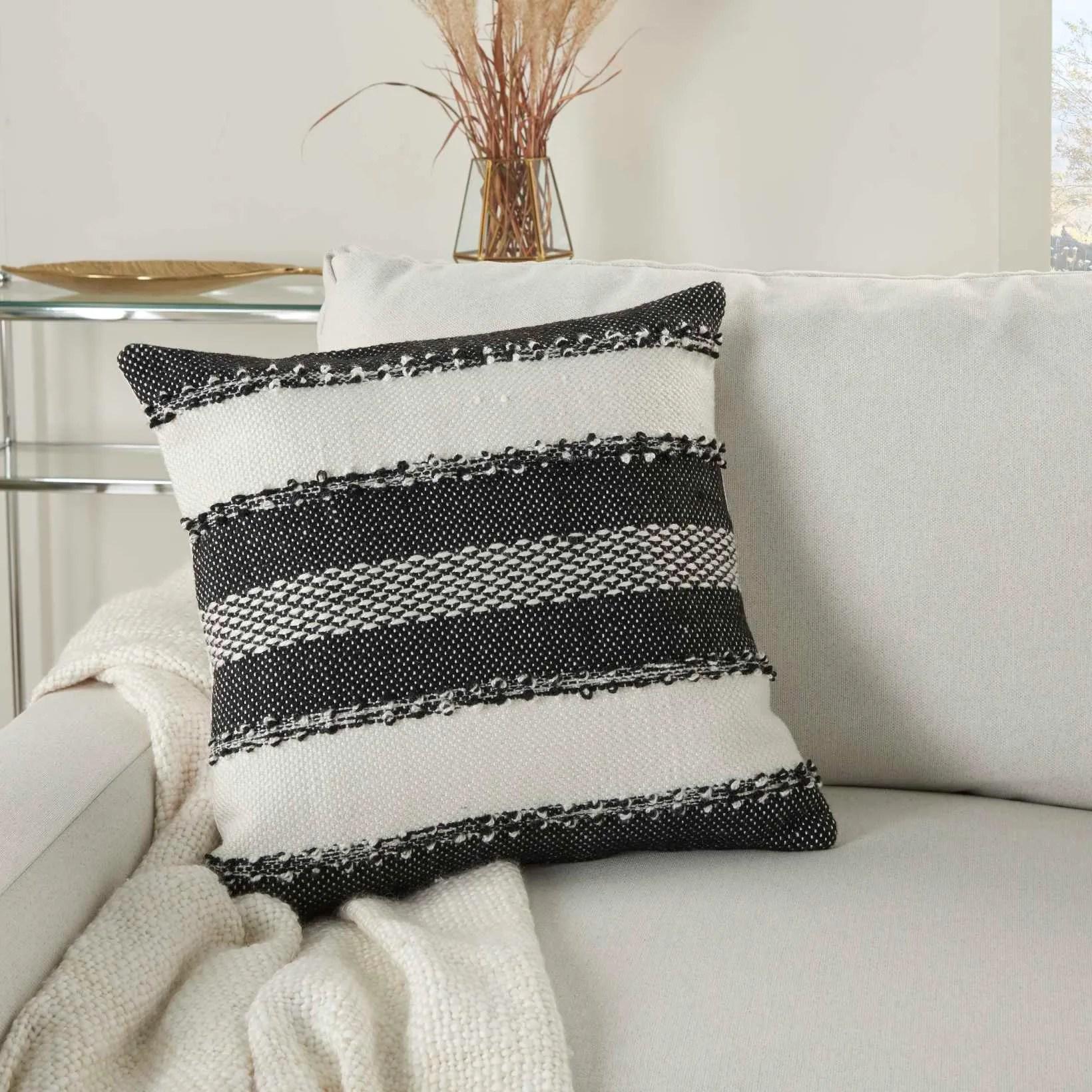 outdoor pillows vj088 black 18