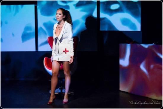 Mademoiselle A dans son spectacle Mon Gainsbourg à Moi - NXPL