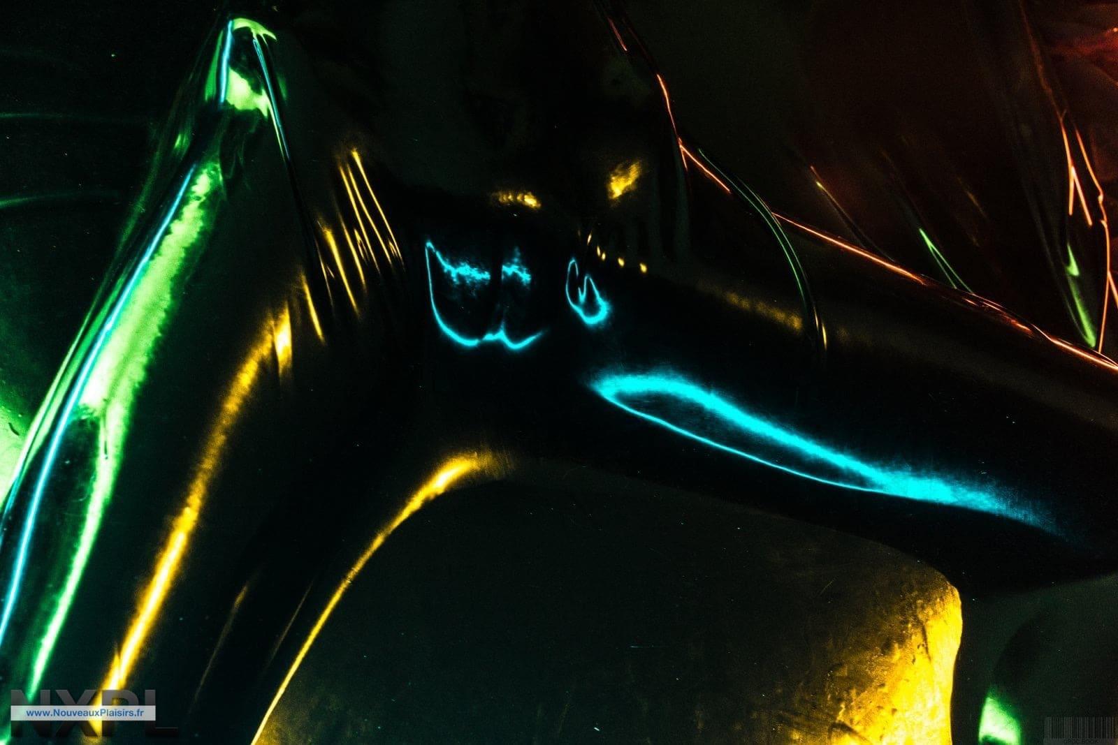 Shooting de Vaccum Bed (VacBed) par Olivier Parent avec Eurocatsuits.com - NXPL