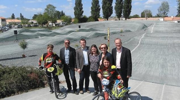 UNE NOUVELLE PISTE BMX EN VUE DES COMPÉTITIONS À CHAMPAGNÉ-LES-MARAIS