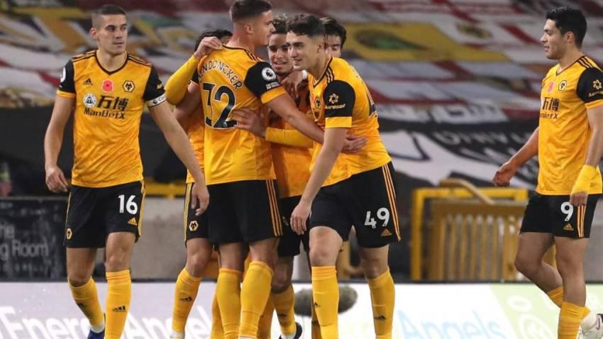Prediksi Bola Wolves VS Crystal Palace - Nova88 Sports