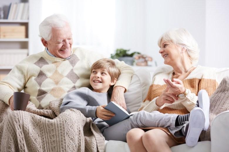 Wnuk z dziadkami