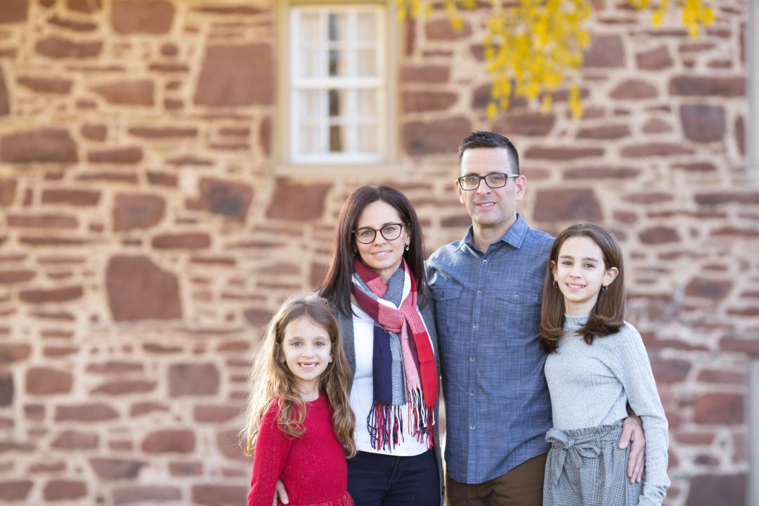 Family photo at the Sully Historic site by Rebecca McGonigle