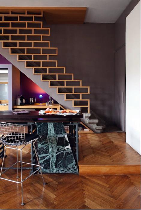 Лестница с оригинальными перилами.