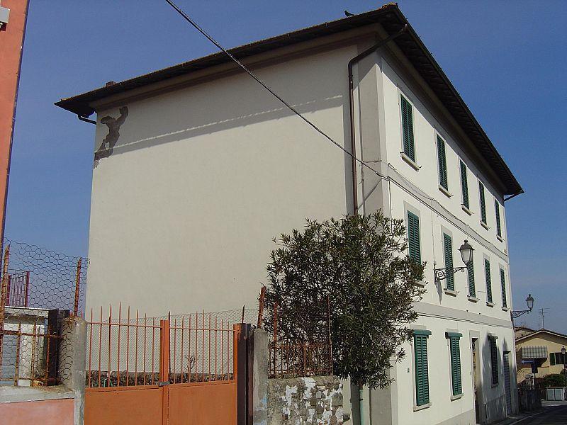 Immobili della Regione allasta il 25 maggio case cantoniere una colonica appartamenti e un
