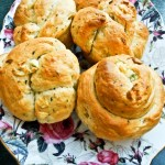 GARLIC & HERB ROLLS