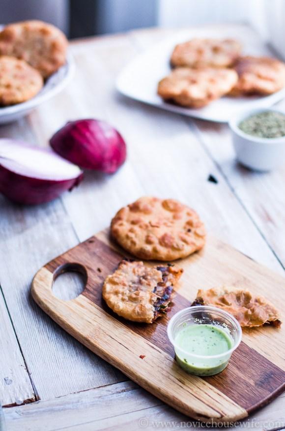 Pyaaz ki kachori (Deep fried Pastry stuffed with spicy onion filling)