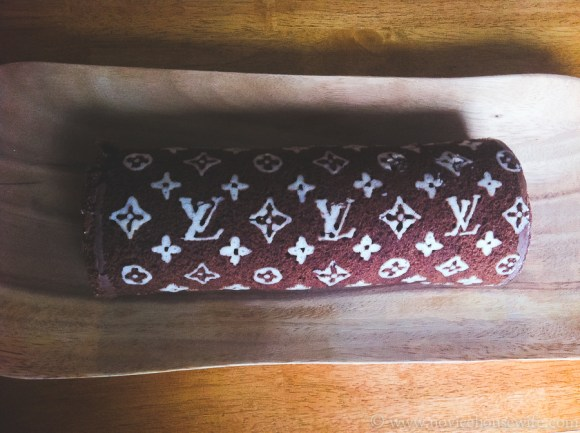 LOUIS VUITTON BAG INSPIRED DECO ROLL