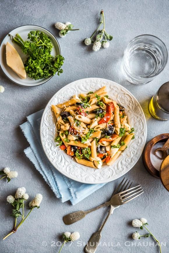 Roasted bell pepper and black olive pasta salad