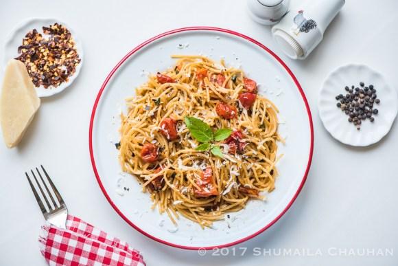 Whole wheat spaghetti with roasted tomatoes