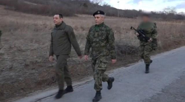 Vojni vrh razmatrao situaciju na Kosovu i Metohiji, Vulin predsedavao sednicom