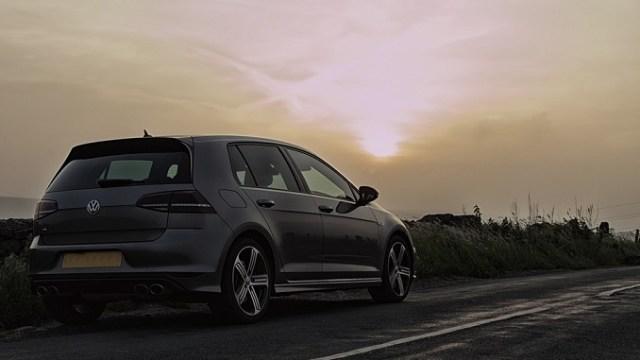 Srbija sledeće godine zabranjuje uvoz vozila starijih od 10 godina?