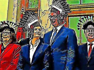 Konj Koji Laže i njegova desna ruka Majka Koja Je Postala Otac A U Stvari Je Tetka, dođoše na čelo malog plemena davne 2012. ...
