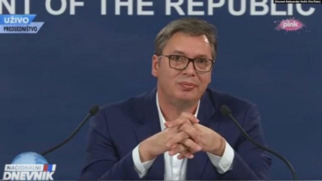 Vučić: Maštaju o prelaznim vladama i da kao Boki 13 nose torbe sa po milon evra