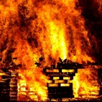 Podmetnut požar? Hala bivše fabrike Energoinvesta gori od subote