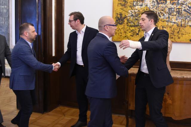 Plaća ih i Tači i Vučić: Duple funkcije i duple plate za predstavnike Srpske liste