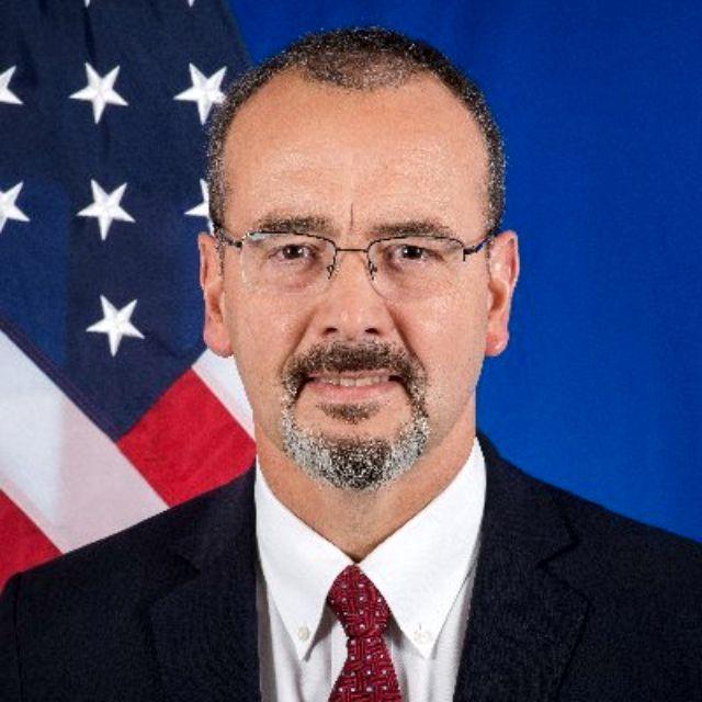 Ambasador SAD: Divim se Vučiću i Brnabićevoj, razočaran sam opozicijim koja bojkotuje izbore