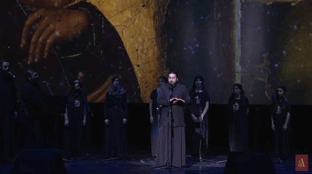 Monah koji služi liturgiju na iščezlom aramejskom jeziku, jeziku kojim je Isus govorio