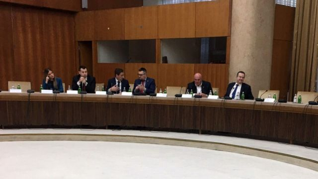 U Palati Srbija u toku je sastanak predsednika Srbije sa predstavnicima političkih stranaka