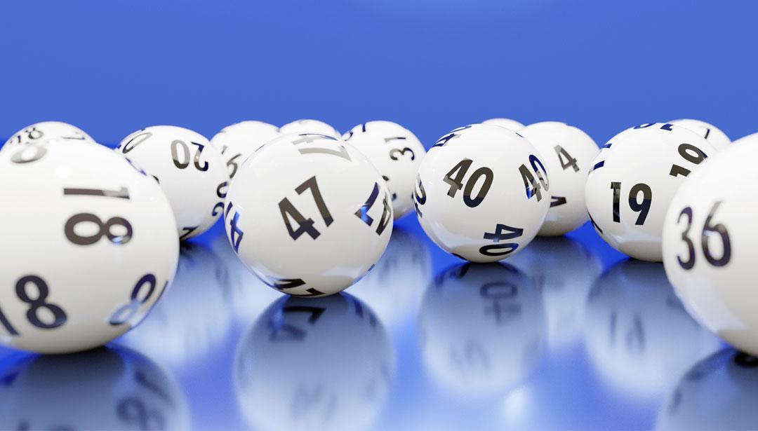 Fünfstelliger Betrag: Bettler gewinnen mit geschenktem Los im Lotto