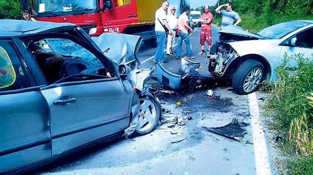Automobil porodice Miletić posle sudara