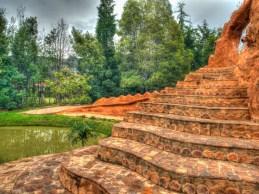 Schody do glinianego domku nieopodal Villa de Leyva, podróż Kolumbia
