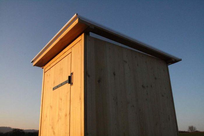 Komposttoilette aus Lärchenholz