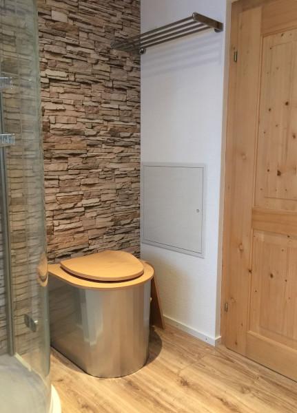 nowato · ECODOMEO - Trockentoilette im Badezimmer von einem Wohnhaus - Modell ZIRCONE