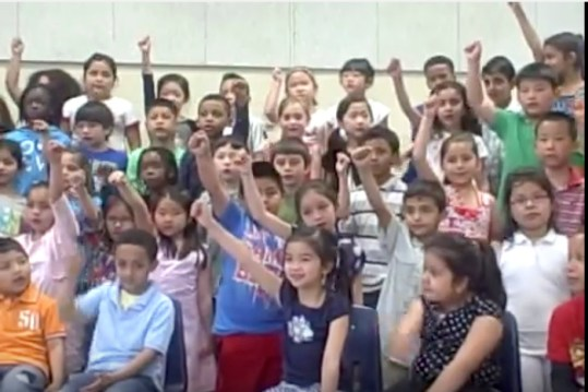 first-graders-sing-two-four-six-eight-to-their-moms-2