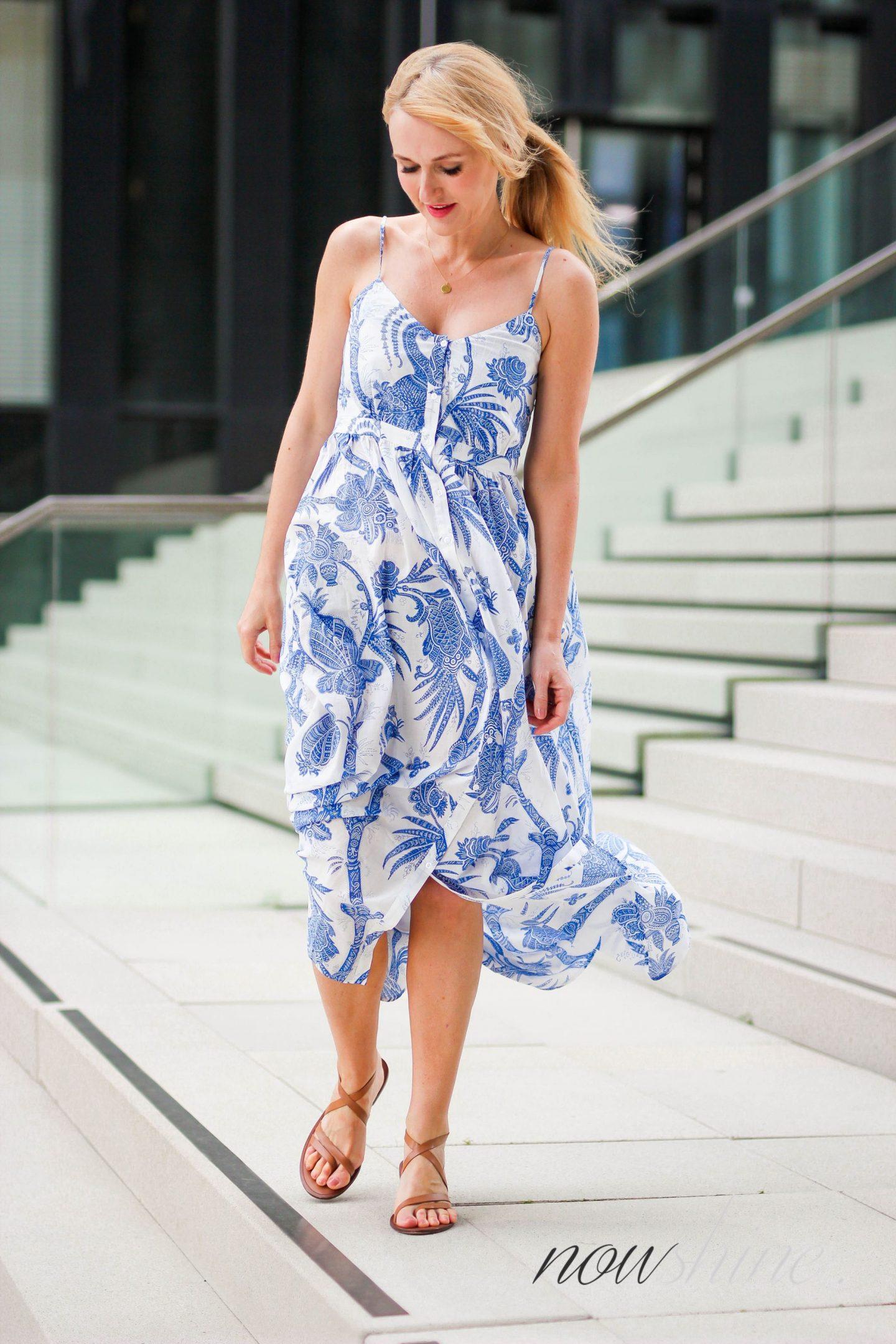 Feminine Maxikleider für den Sommer - Nowshine im Maxikleid von H&M Trend - Fashionblog ü40
