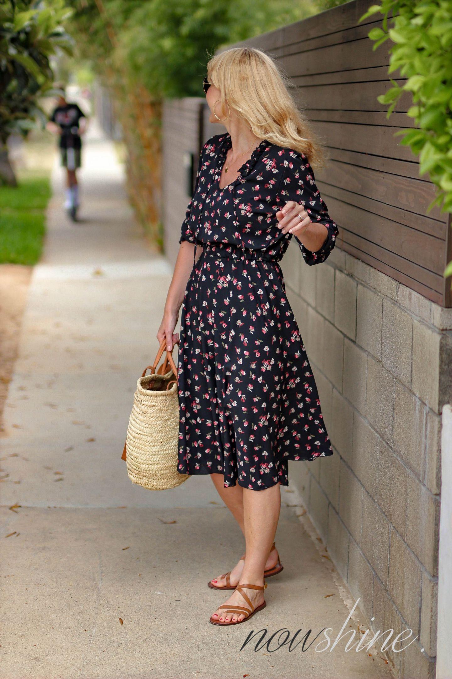 Aus dem WENZ Katalog - Kleid mit Blumen in Venice Los Angeles - Bird Scooter - - Nowshine ü 40 Reiseblog