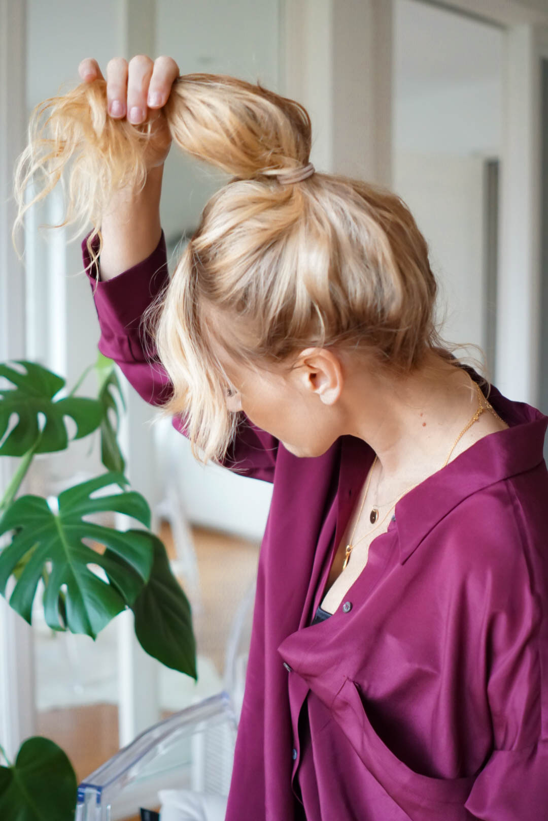 Dutt_machen-Aleitung-Video-perfekter messy Bun-Nowshine Haare-Ü40 Beauty Blog
