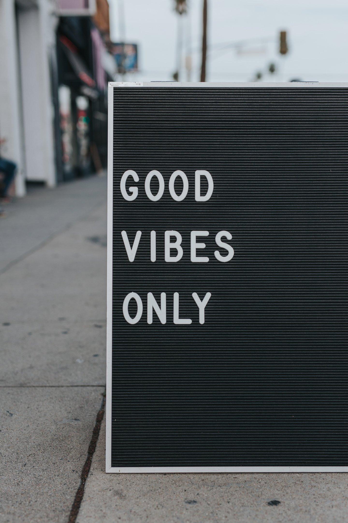 Good Vibes Only - Verurteilt du mich, verurteile ich dich