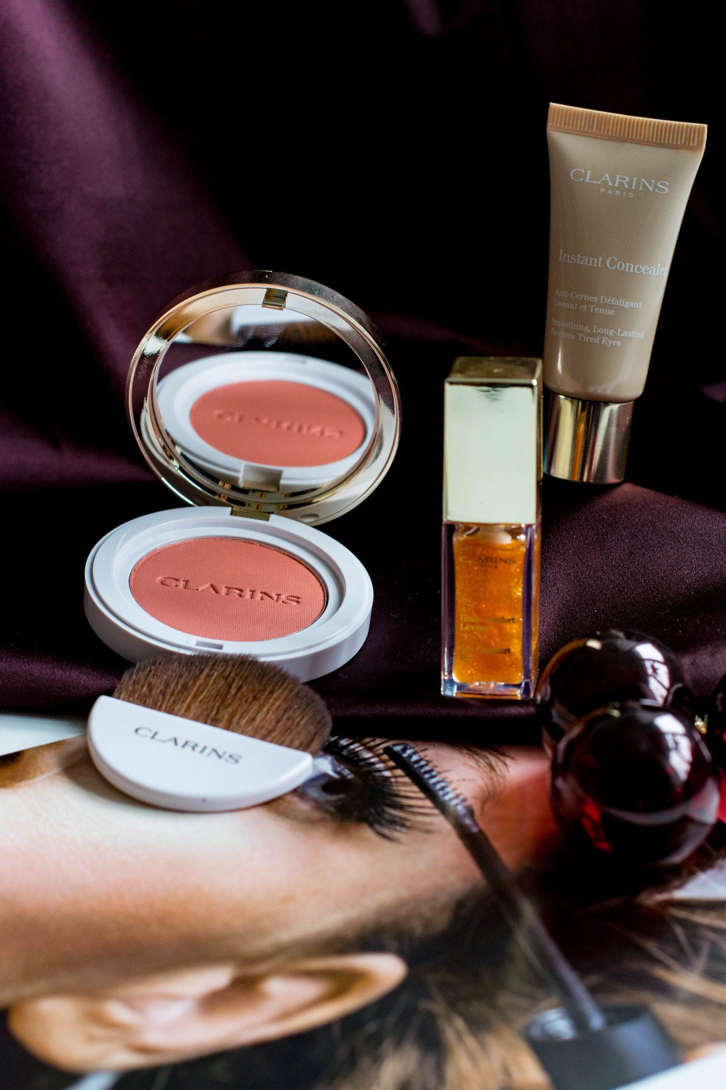 Natürliches Make-up mit Clarins, Clarins, Lippenöl, Concealer, Instant Concealer, Rouge, Blush, Satin, Xmas, shine bright