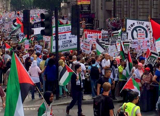 https://i0.wp.com/www.nowtheendbegins.com/blog/wp-content/uploads/2014/07/tens-of-thousands-march-in-london-against-israel-gaza-hamas-free-palestine.jpg