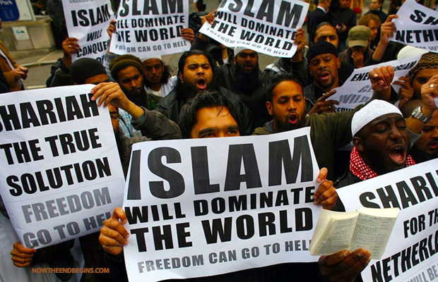 islam-in-america-sharia-law-muslim-moon-god-allah-azan