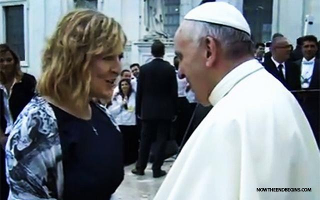 former-hillsong-ccm-singer-worship-pastor-darlene-zchech-sings-for-pope-francis-vatican-rome-renewal-holy-spirit