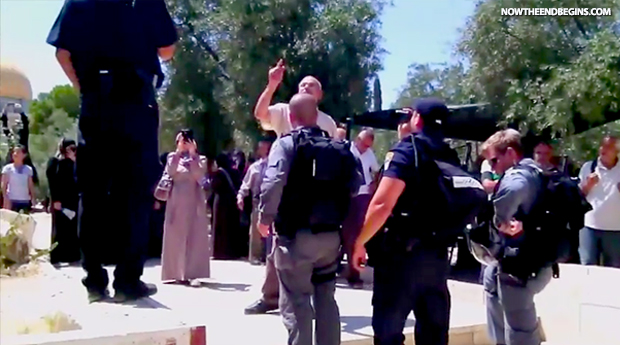 muslims-protest-force-closure-of-temple-mount-for-jews-israel-jerusalem-august-13-2014