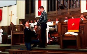 man-proposes-to-boyfriend-texas-methodist-church-gets-standing-ovation-end-time-headlines