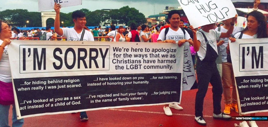 Christians surprise Pride parade marchers with signs apologizing for anti-LGBTQ views