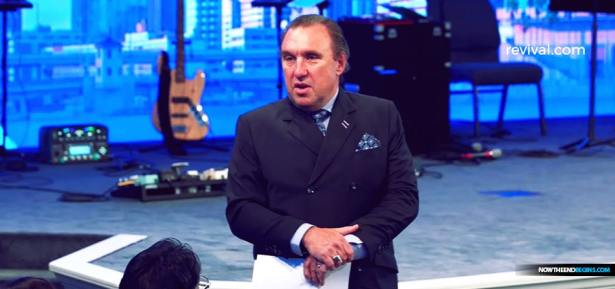 Rodney Howard-Browne Told His Sunday Service Crowd to Shake Hands And Hug Each Other Amid Coronavirus Outbreak