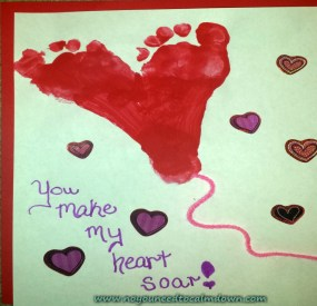Valentine's Day Craft – Footprint Heart Balloons