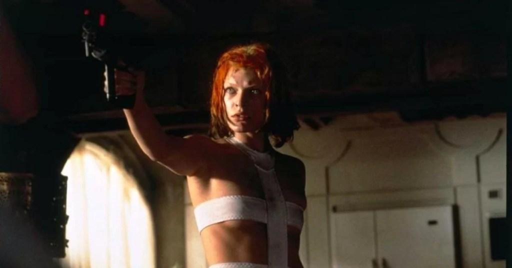 Mila Jovovich in una scena de Il Quinto Elemento