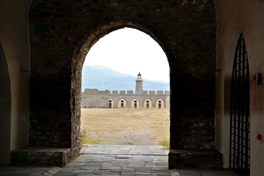 Photo of Κάστρο Αντιρρίου: Ρεσιτάλ με έργα του Μίκη Θεοδωράκη 18 και 19 Αυγούστου