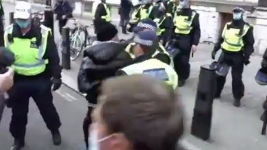 Photo of Συγκρούσεις αστυνομίας – διαδηλωτών σε συγκέντρωση κατά του lockdown στο Λονδίνο