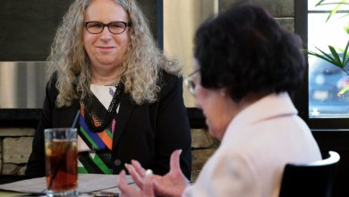 Photo of Ο Μπάιντεν επέλεξε την transgender Ρέιτσελ Λεβίν, για υφυπουργό Υγείας