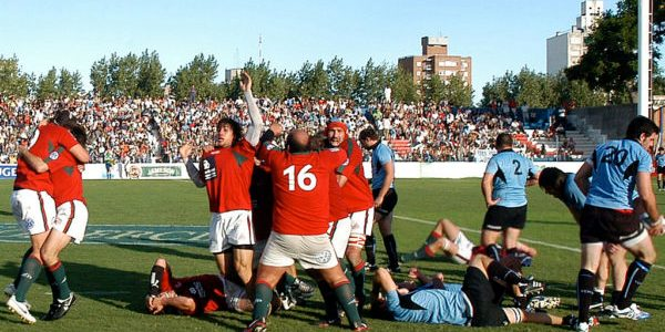 Final blows and the Portugal Lobos celebrate qualifying to the Rugby World Cup in spite of losing 18-12 against Uruguay in Montevideo. They advance on a 24-23 points aggregate.  Photo credit: Ignacio Naon