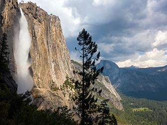 Upper Yosemite Falls Wallpaper Yosemite Falls Trail Yosemite National Park U S