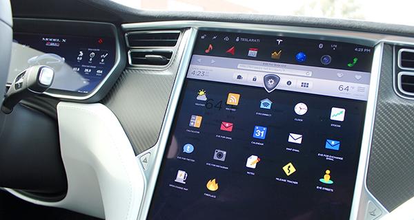 Tesla-Apps-P90D-Touchscreen
